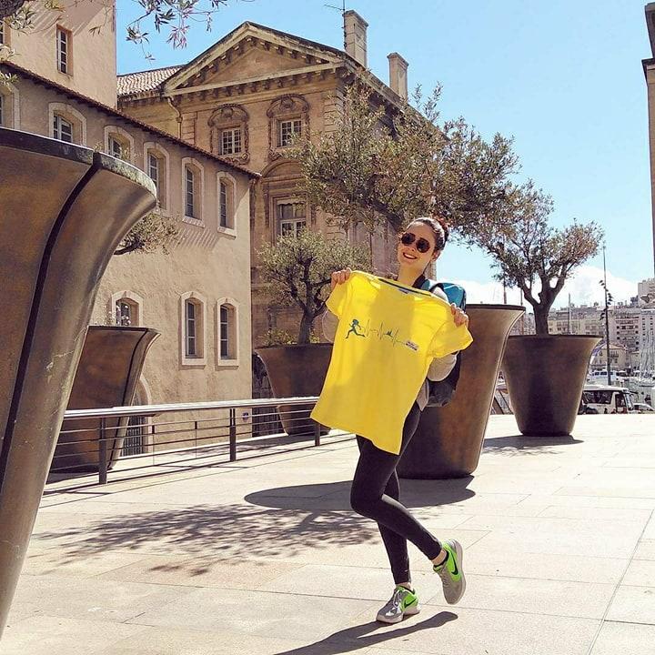 Marseille : moi avec mon t-shirt du Run in Marseille