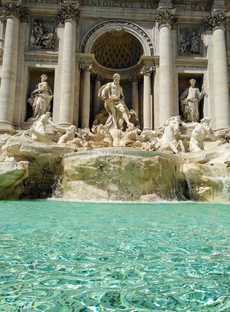 La fontaine de Trevi en Vespa