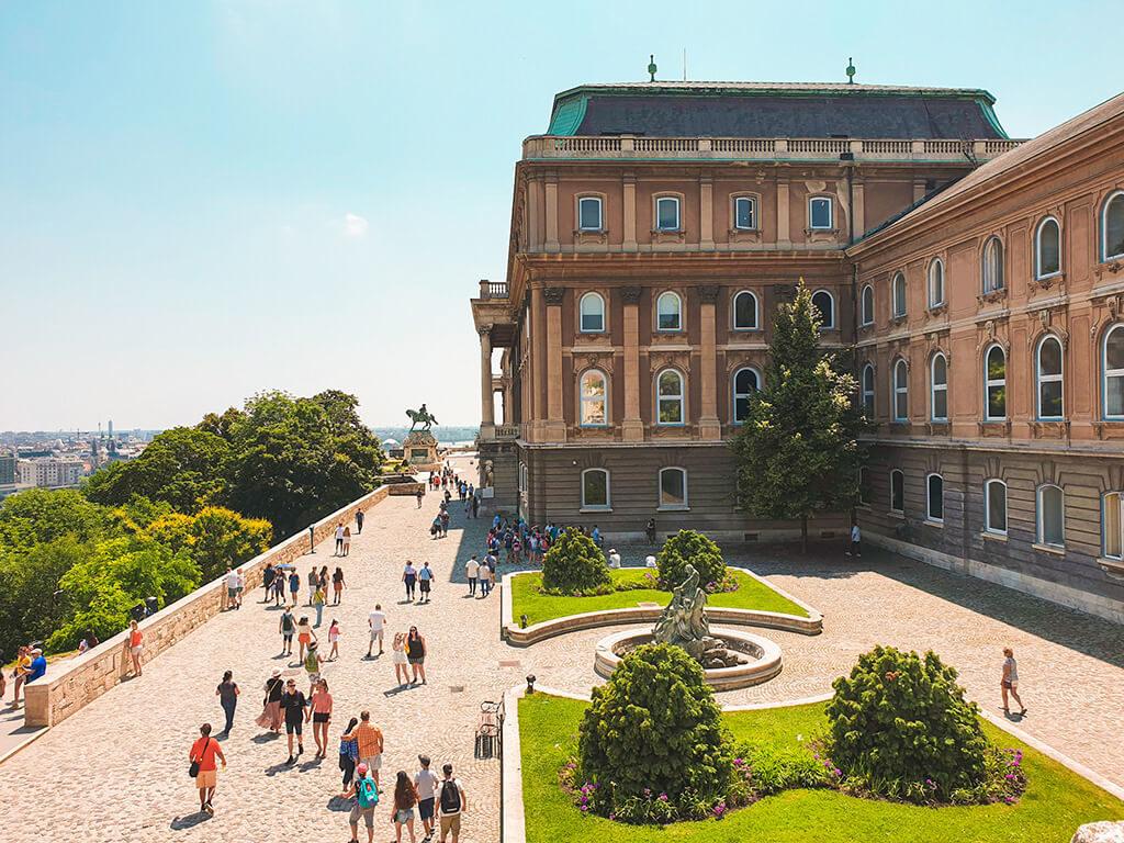 Visiter Budapest en 4 jours - Palais Royal